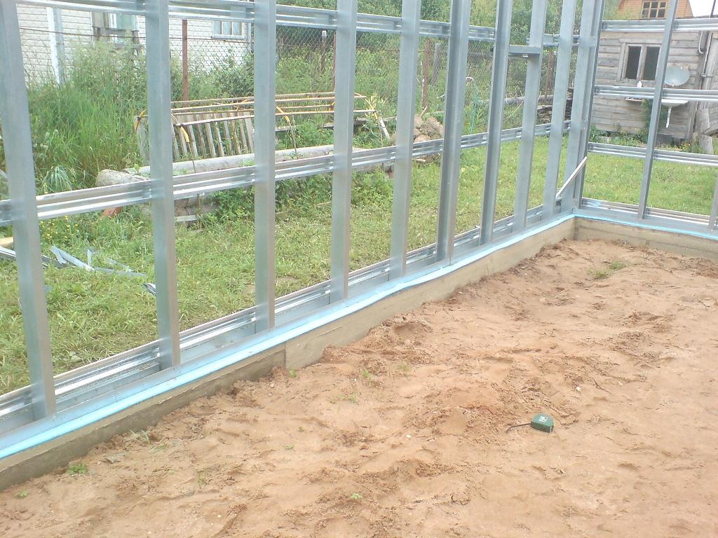 Фундамент под железный гараж куплю 2 кирпичных гаражей